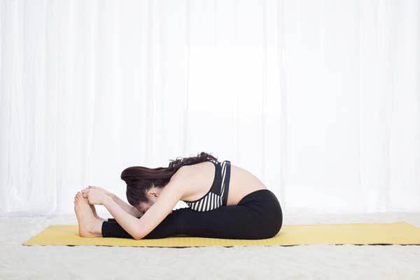 dong-tac-yoga-cai-kep-lamsaodecao