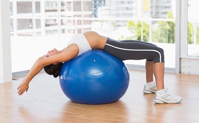 bai-tap-pilates-tang-chieu-cao-voi-bong